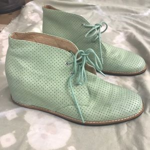Matiko Mint Perforated wedge Boot